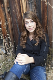 c. Kelly's Senior Pictures - Rustic & Rusty
